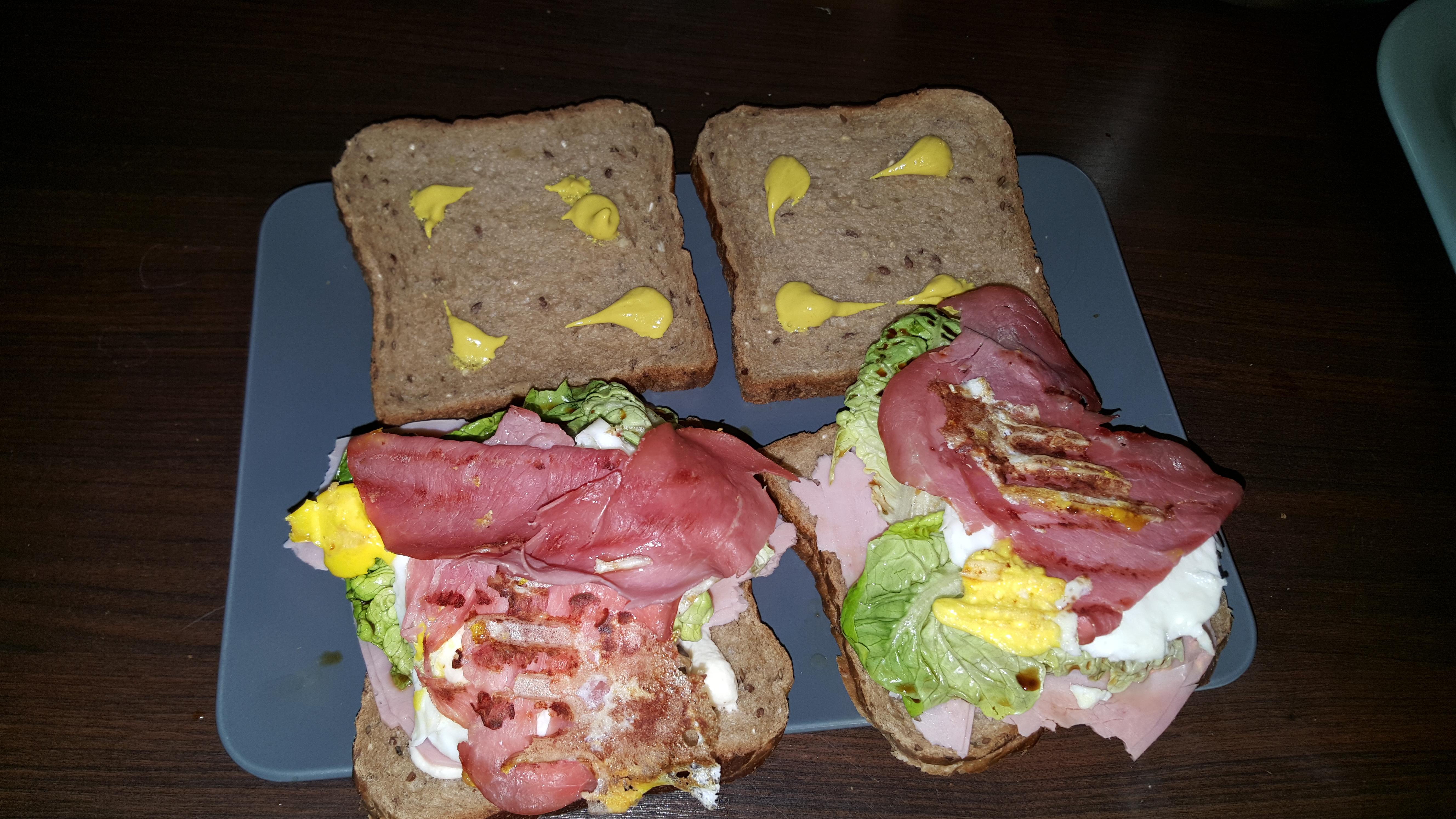 Sandwich-Variante mit kross angebratenem Schinken